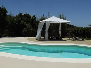 Beautiful, rustic house, air-con, WiFi, private pool & garden, sea views