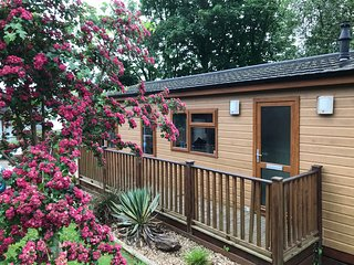 2 bed lodge close to river in Newton Ferrers, South Devon