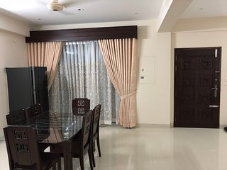 Fully Air Conditioned 3 bedroom apartment near airport and Jamuna Future Park