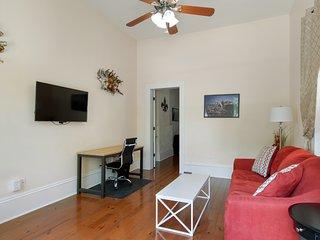 Room 1. Queen sleeper sofa. Wifi tv. Desk.