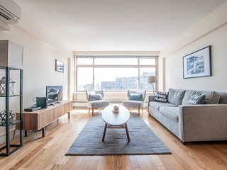 Sonder | Beacon Street | Lovely 1BR + Gym