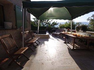Location villa avec piscine 8 couchage
