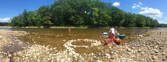 Kayaking the Saco River is a great way to spend a day.  Humphrey's Ledge put in.