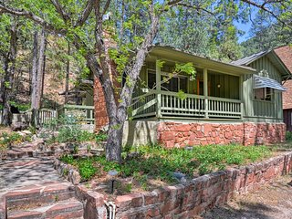 Oak Creek Canyon Cabin w/Porch - Walk to West Fork