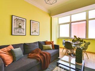 Yellow 2 bedroom apt in the city center