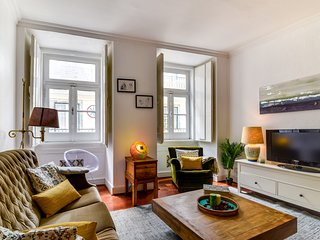 Typical 2bed apartment in Bairro Alto