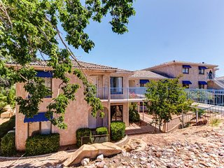 NEW LISTING! Stylish desert-view home w/shared pool, hot tub & tennis-near parks