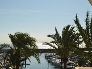 First Line, Port of Estepona Marina, best location/ Appartment