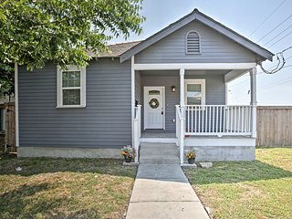 Cozy House w/ Yard - 2 Miles to French Quarter!