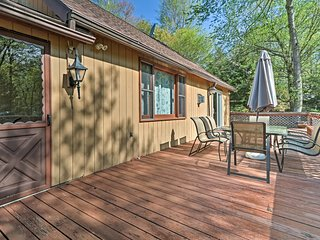 The deck is the perfect place to enjoy zesty barbecues.