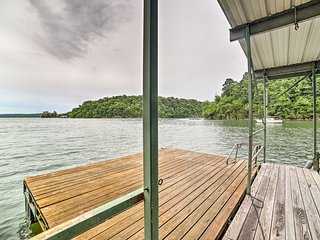 Waterfront Beaver Lake Home w/ Private Swim Dock!