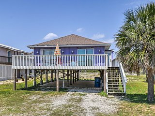 NEW! Gulf Shores Home w/Deck & Grill-Walk to Shore