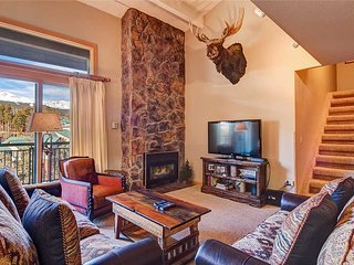 Ski-in/ski-out * penthouse * stunning views, 2 blocks from Main St!