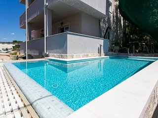 Studio apartment 818 m from the center of Dubrovnik with Internet, Pool, Air con