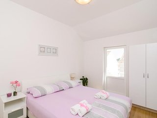 Apartment in Dubrovnik with Internet, Air conditioning, Parking, Terrace (990253