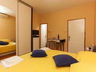 Bedroom in Dubrovnik with Internet, Air conditioning, Balcony (990579)