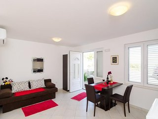 Studio apartment in Dubrovnik with Internet, Air conditioning, Parking, Terrace