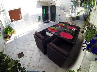 Apartment 1.2 km from the center of Dubrovnik with Internet, Air conditioning, T
