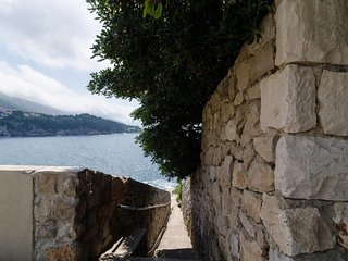 Bedroom 406 m from the center of Dubrovnik with Internet, Air conditioning, Terr