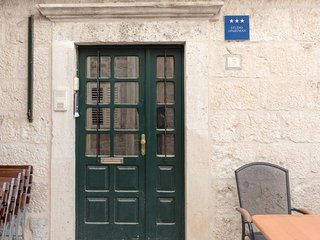 Studio apartment in the center of Dubrovnik with Internet, Air conditioning, Was