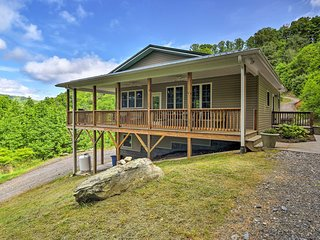 NEW! Mtn. View Marshall Home w/Private Hot Tub!
