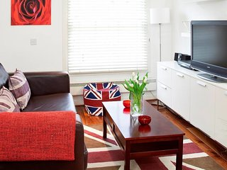 Bright 1 Bed Flat w/Sofa Bed in Paddington