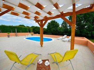 2 bedroom Villa in Novigrad, Zadarska Županija, Croatia : ref 5040247