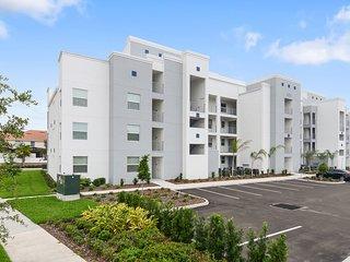 2 Bd Sleeps 8 Apartment Close to Disney * Storey Lake Orlando 103