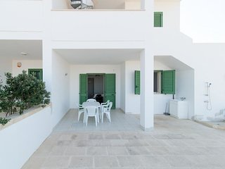 2 bedroom Villa in Pesculuse, Apulia, Italy : ref 5392784