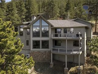 Akelas Lookout Luxury Vacation Home at Windcliff