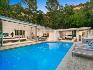 Beverly Hills Mid-Century Retreat