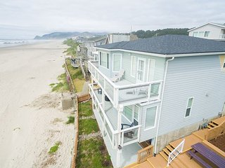 Cute 3 bedroom 2.5 bath located in the heart of the best of Lincoln City.