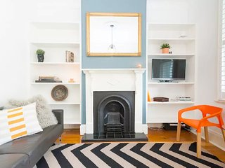 Sydney Living - 2B Terrace Home