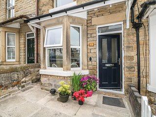 BENNETT STREET, centre of Buxton, Smart TV, dog-friendly Ref 965391