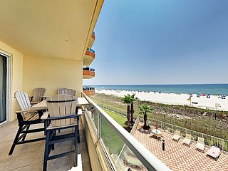Gulf-Front 3BR: Indoor/Outdoor Pools, Tennis, Grills & Private Beach Access