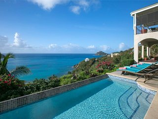 Ami La Vita: Views of Rendezvous Bay! Sun All Day!