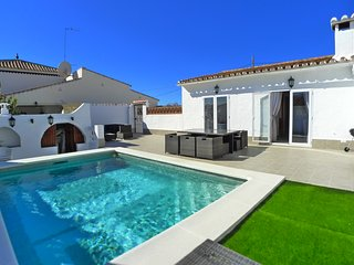 Villa Emma - Detached Holiday Villa - Private Heated Pool - WIFI - A/C - R1294