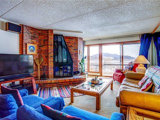 Panoramic views of Lake Dillon and mountains, all the amenities one would want