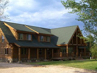 Papa Bear Lodge