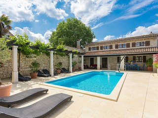 5 bedroom Villa in Gljuscici, Istria, Croatia : ref 5555407