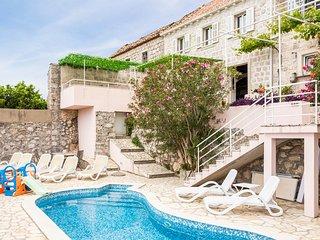 5 bedroom Villa in Orasac, Dubrovacko-Neretvanska Zupanija, Croatia : ref 521788