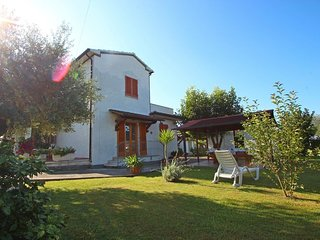 2 bedroom Villa in Montignoso, Tuscany, Italy : ref 5240396