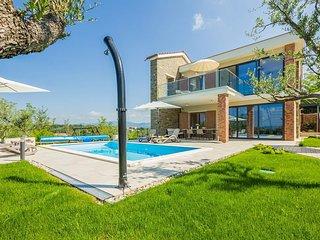 3 bedroom Villa in Draguć, Istria, Croatia : ref 5630155