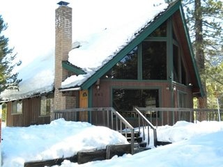 A-Frame Cabin Near the Truckee River and Pet Friendly!