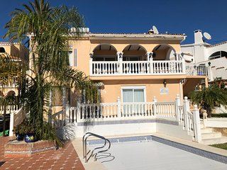 Ref: 281 - 4 Bedroom private villa in Torreblanca. Fuengirola