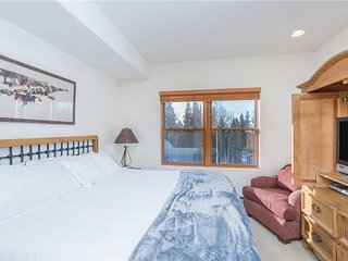 Bear Creek Lodge 209B