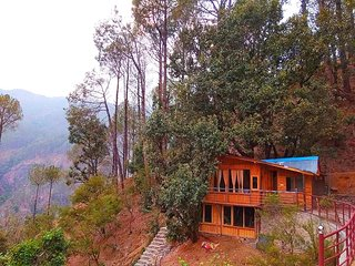 Tree House on Oak Tree- The Silent Valley along river Kalsa