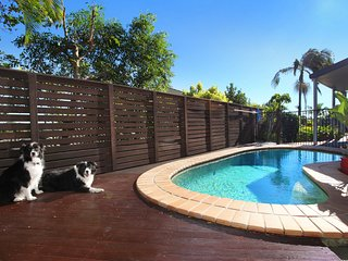 Relax * Coolum  16 Seamist Circuit  - Pet Friendly, Linen Included, 2 NIGHT MIN