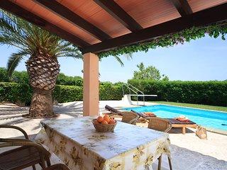 Cas Concos Villa Sleeps 2 with Pool Air Con and WiFi - 5237939