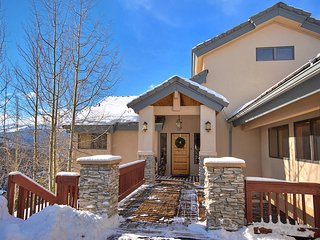 Take in Amazing Ski Area and 10 Mile Range Views from Every Room and the 4 Decks